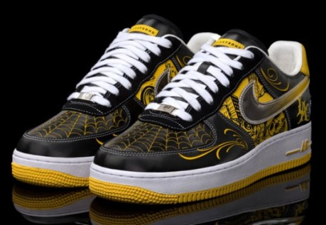 nike-livestrong-mr-cartoon-af1-1-540x373