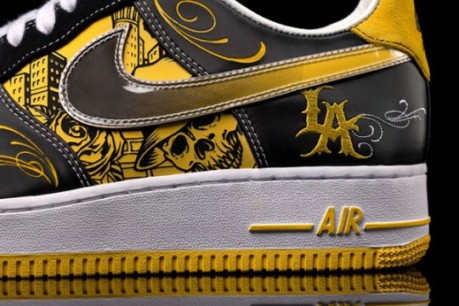 nike-livestrong-mr-cartoon-af1-3-540x360